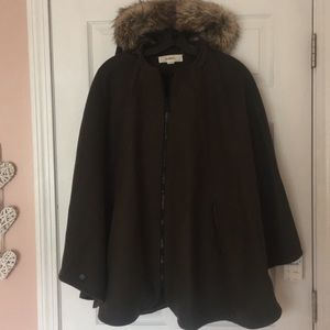 NWT Wildflower Faux Fur Hooded Cape!